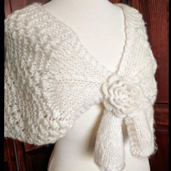 GAP Accessories - Gap knit shawl scarf in bright white
